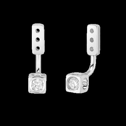 Le Cube Diamant small under earrings