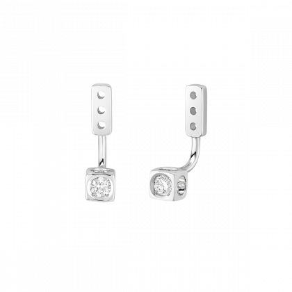 Le Cube Diamant small under earrings