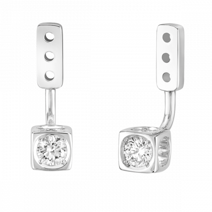 Le Cube Diamant medium under earrings